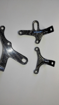 Bugspoiler mounting kit in Carbon Aprilia Tunon V4
