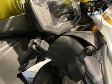 Aprilia USB connector RS 660 and Tuono 660